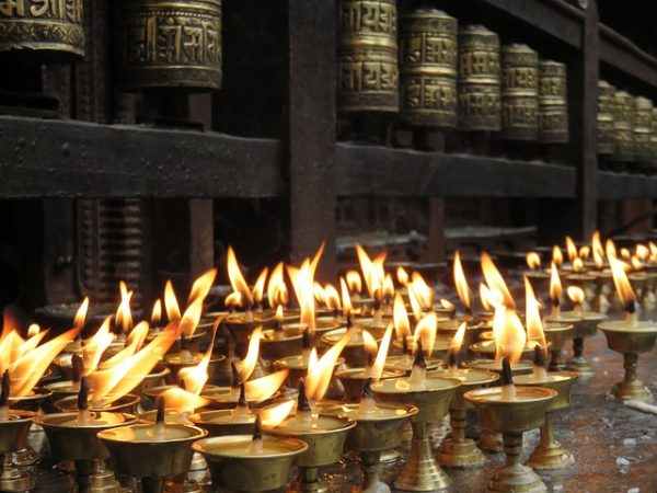 candles-1658811_640